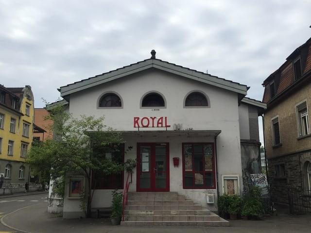 Hauptfassage Royal