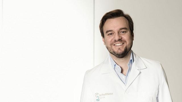 Portrait von Philipp Sacherer, Team-Arzt des EHC Kloten