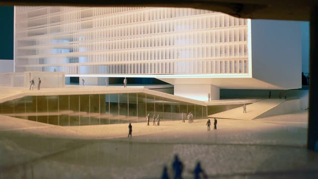 Die Modelansicht des geplanten Europaplatzes mit dem Haus der Religionen in Bern.