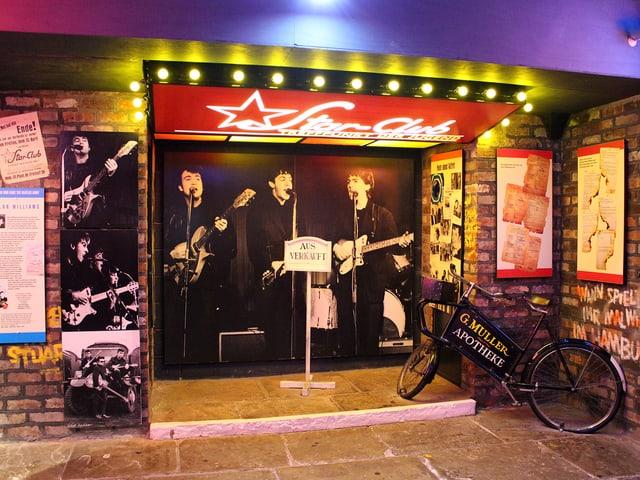 Die Beatles an einer Türe im Beatles-Museum «The Beatles Story».