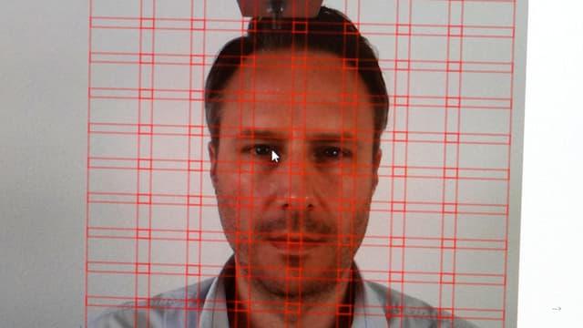 Model Daniel Wagner auf Daniel Boschungs Monitor, aufgeteilt in verschiedene Segmente.