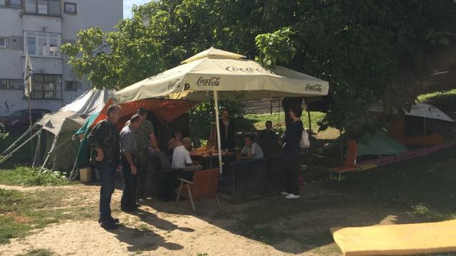 Das Protestcamp der Kriegsveteranen in Sarajewo.