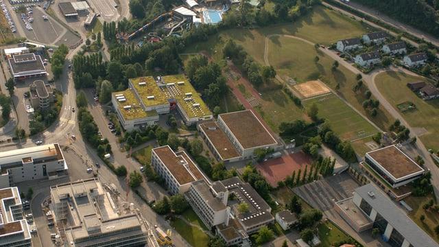 Luftaufnahme des Schulcampus Pfäffikon.