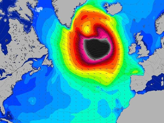 Ein Karte zeigt die Wellenhöhe im Nordatlantik.