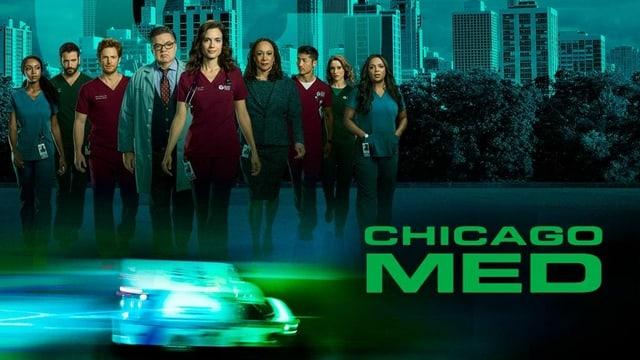 Das Ärzteteam von Chicago Med steht vor der Skyline von Chicago.