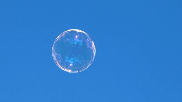 Video «Wetterphänomene: Zerplatzen Seifenblasen im Regen? (5/5)» abspielen
