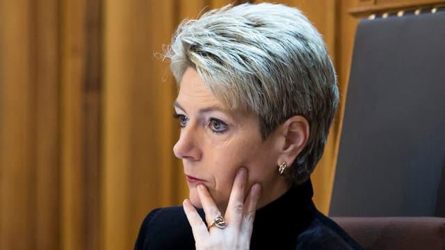 Karin Keller-Sutter auf dem Stuhl der Ständeratspräsidentin
