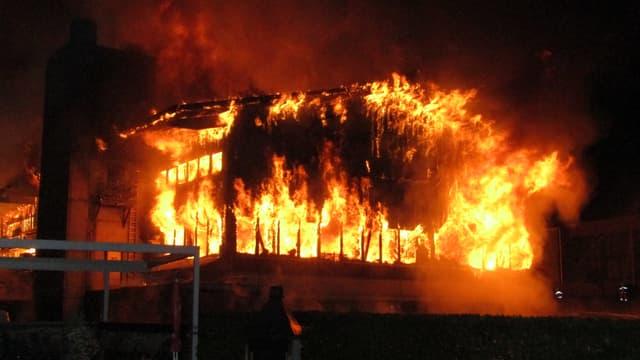 Grossbrand einer Holzbaufirma