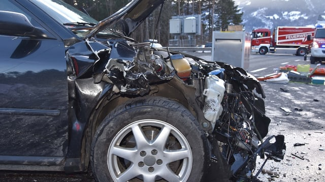 L'auto da l'um che ha chaschunà l'accident.