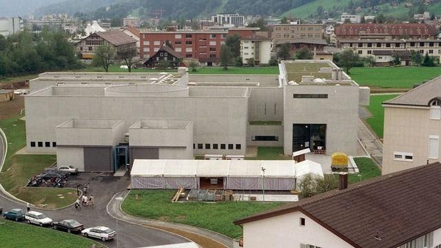 Das Gefängis Grosshof in Kriens. Dort soll ein neues Asylzentrum entstehen.