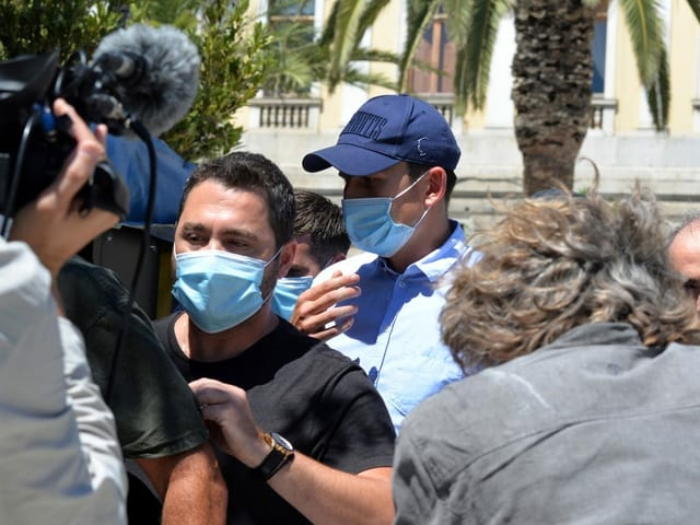 Harry Maguire verlässt am Samstag das Gericht auf der griechischen Insel Syros.