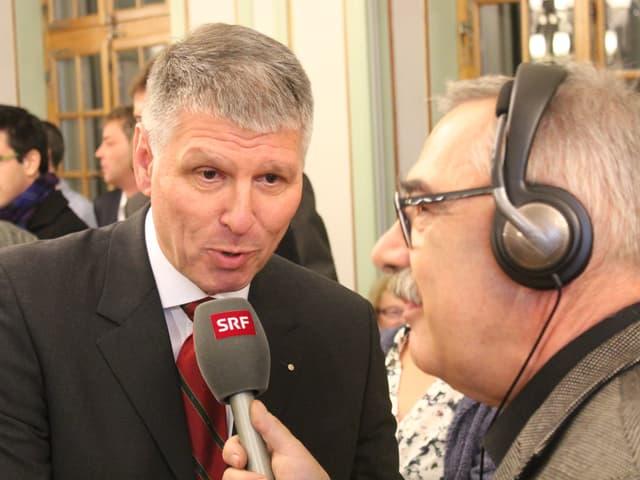 Konrad Hädener im Interview mit SRF-Reporter Christian Strübin.