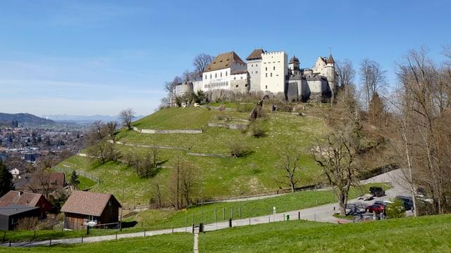 Das Schloss Lenzburg