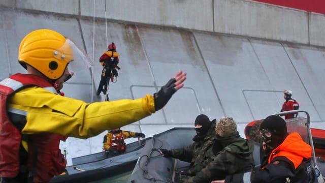 Video «Greenpeace – gefährliche Mission» abspielen