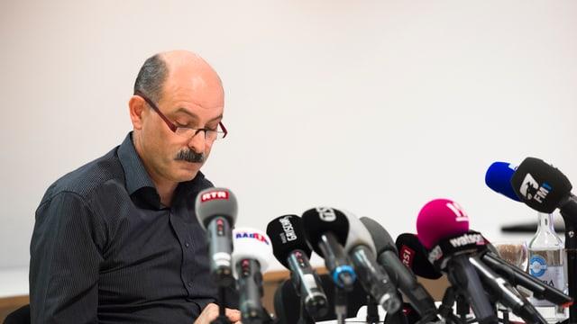 Ettore Weilenmann, cumpossessur da la Carnaworld Holding SA, durant ina conferenza da medias il november 2014.