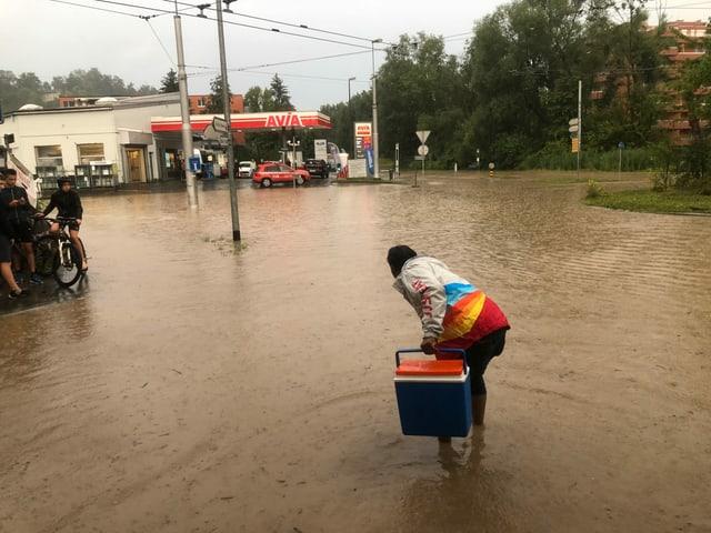 Überflutete Strasse.