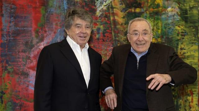 Frieder Burda zusammen mit Gerhard Richter vor einem Bild