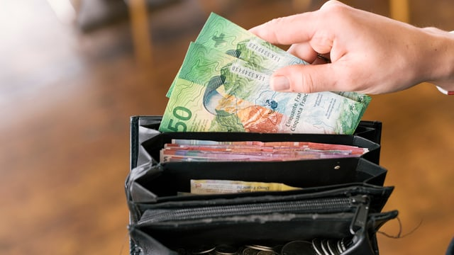 Portemonnaie mit Banknoten