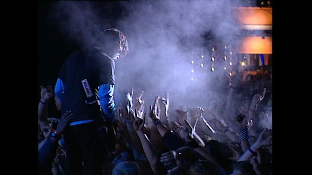 Dave Grohl in der Menge am OASG 2005