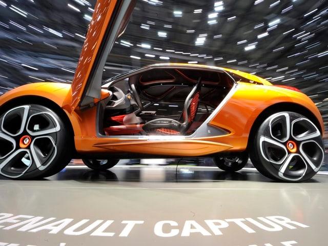 Renault Captur mit geöffneten Türen
