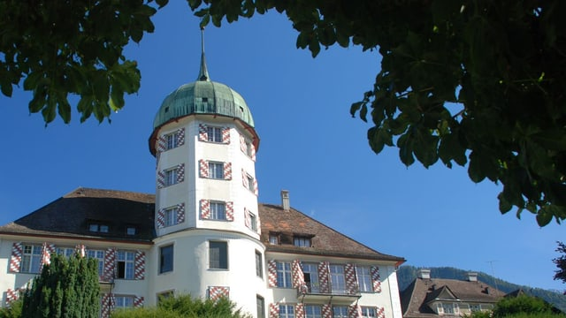 La chasa d'attempads e da tgira «Sankt Johannes-Stift» a Zezras.