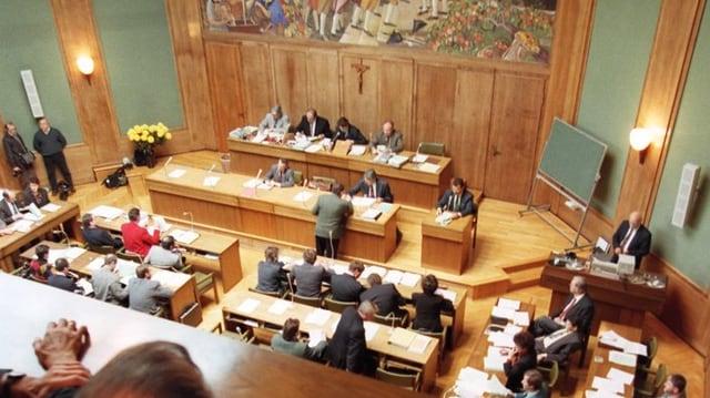Blick von der Zuschauertribüne in den Saal des Walliser Kantonsparlament.
