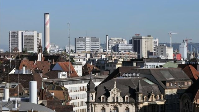 Blick über Basel zu Industrie