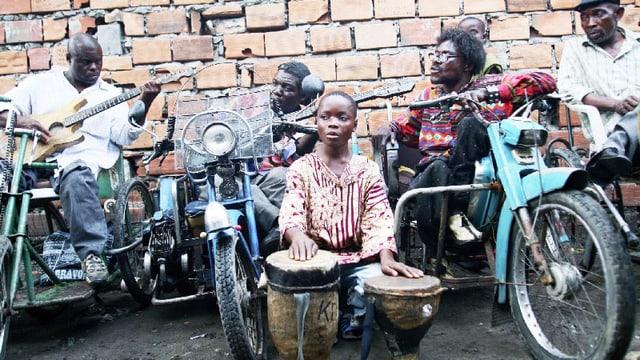 Video «Benda Bilili: Erfolgsgeschichte einer kongolesischen Musikband» abspielen