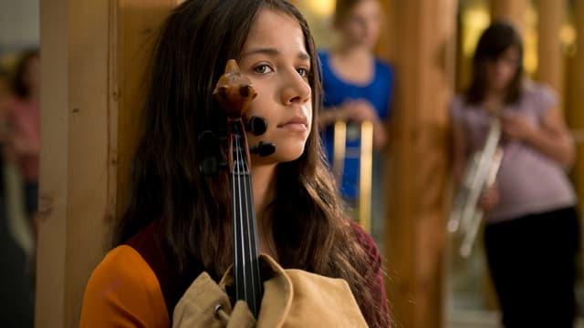 Indianermädchen mit Geige