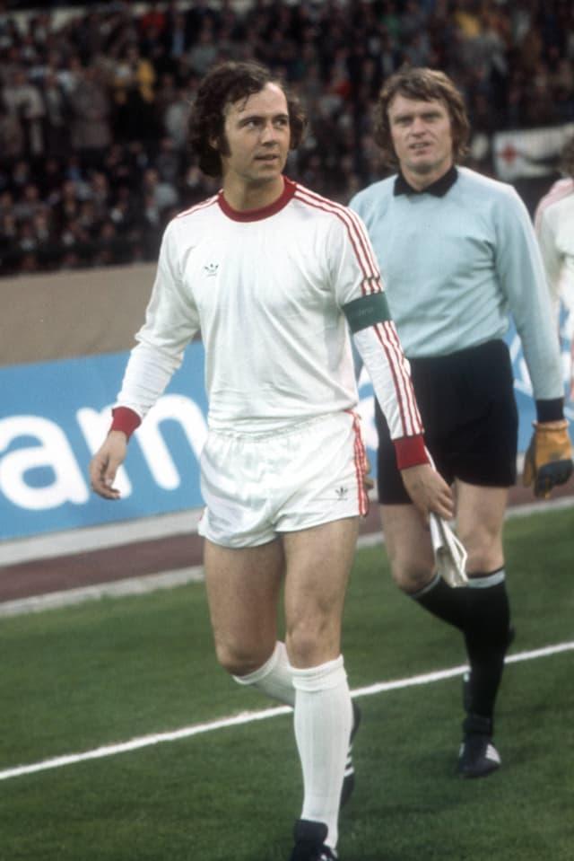 Münchner Legenden: Libero Franz Beckenbauer und Goalie Sepp Maier vor dem Final gegen Atletico.