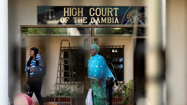 Purtret da la dretgira suprema a Gambia.