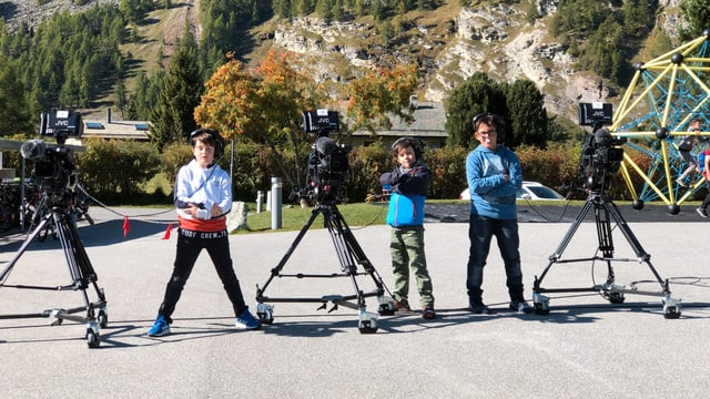Ils 3 experts da camera sun pronts