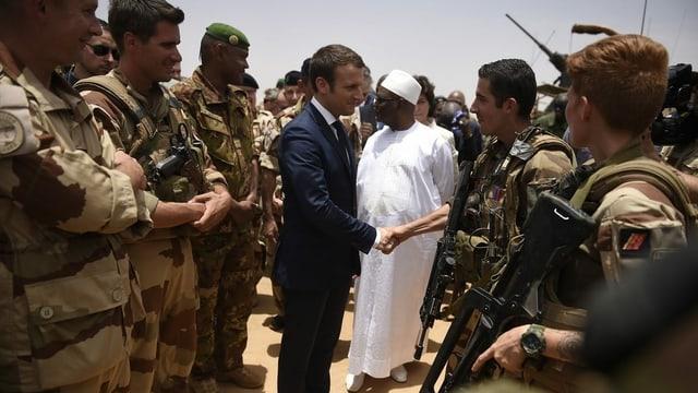 Im November 2019 besuchte Emmanuel Macron eine Militärbasis in Mali.