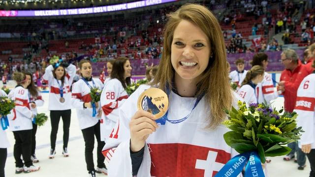 Schelling mit der Bronzemedaille von Sotschi.