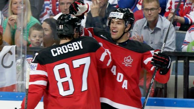Crosby und Hall feiern den Finaleinzug.