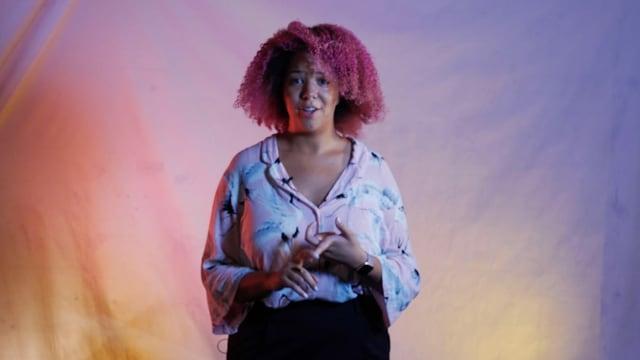 Angie ist DJ und Musikerin und erzählt, was sie von dir braucht