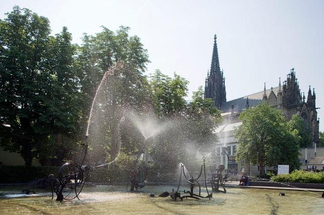 Der Fasnachtsbrunnen von Jean Tinguely.