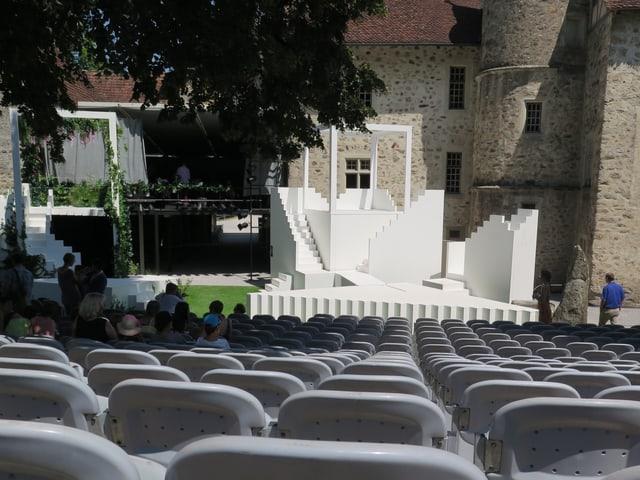 Bühne im Schlosshof