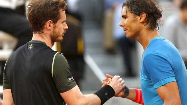 Andy Murray (links) im Shakehands mit Rafael Nadal.