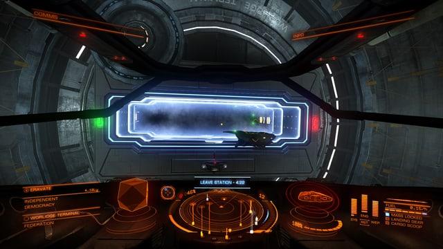 Durch den Schlitz die Raumstation verlassen.