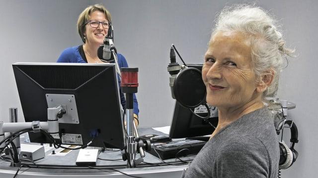 Moderatorin Priska Dellberg und Li Mollet im Studio.