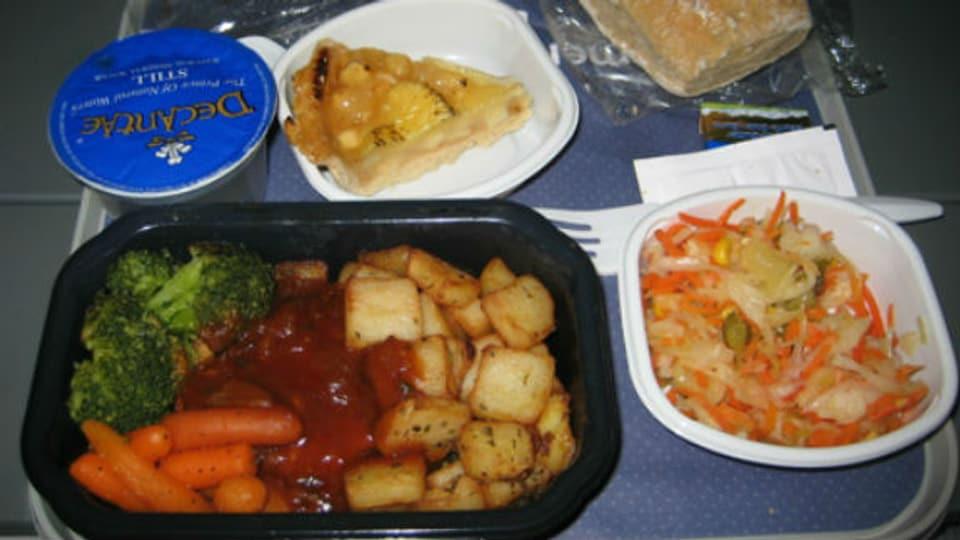 Bei den Mahlzeiten im Flugzeug scheiden sich die Geister