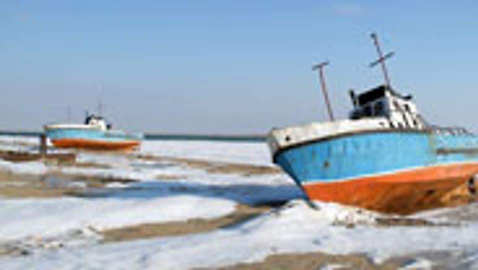 Gestrandete Schiffe im Aralsee.