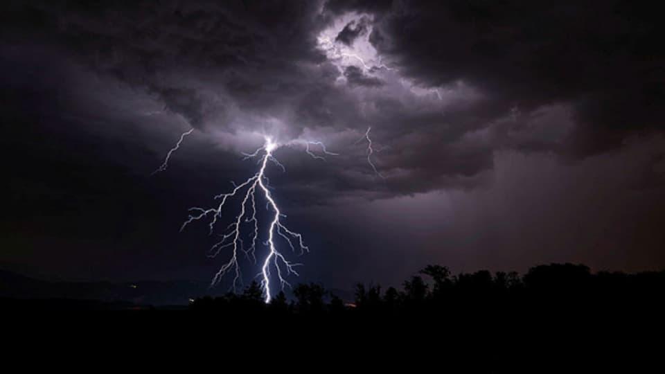 Gewitterwolke mit Blitz