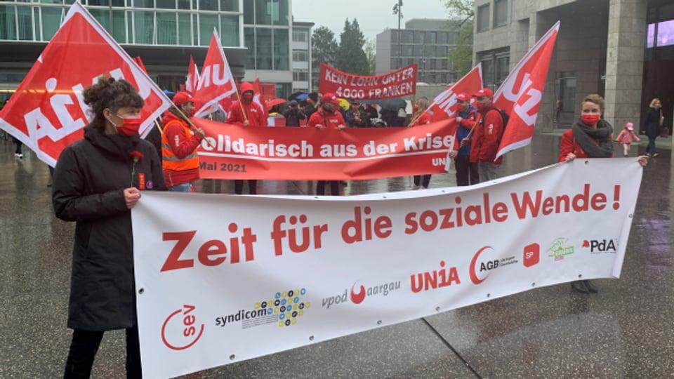 In Aarau beteiligten sich rund 150 Personen an der 1.-Mai-Kundgebung.