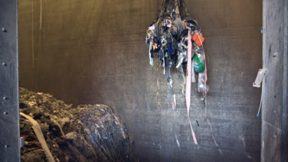 In Oftringen soll eine neue Kehrichtverbrennungsanlage mit Strom- und Fernwärmeproduktion und eine Phosphor-Recyclinganlage gebaut werden.
