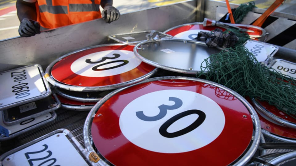 Tempo 30 oder 50 auf Aargauer Strassen: Tempo 50 - sagt die Regierung.