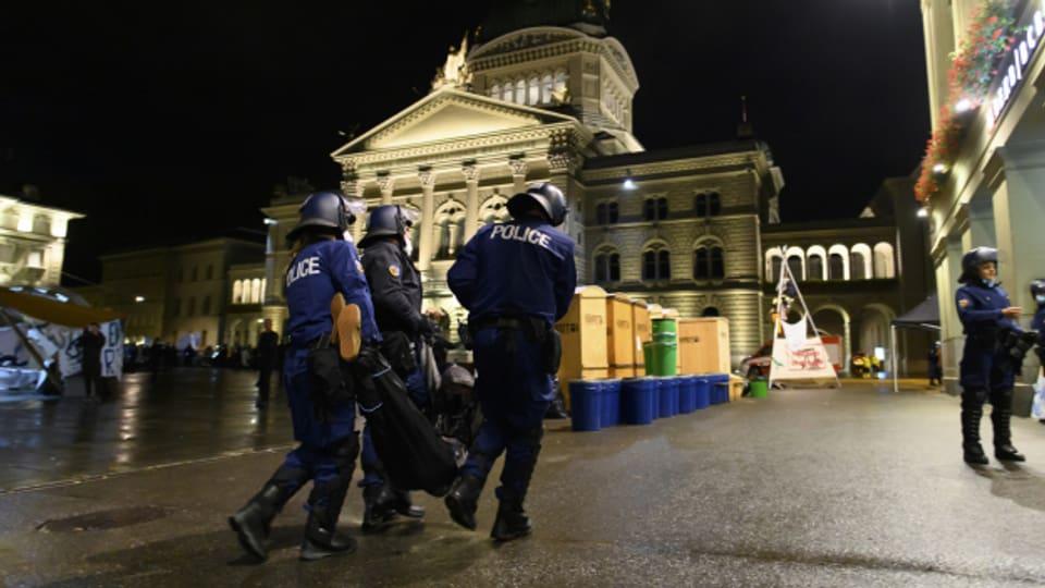 Die Räumung des Bundesplatzes gestaltete sich aufwändig