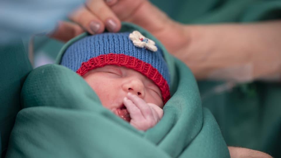 Auch in Coronazeiten werden in den Spitälern Kinder geboren