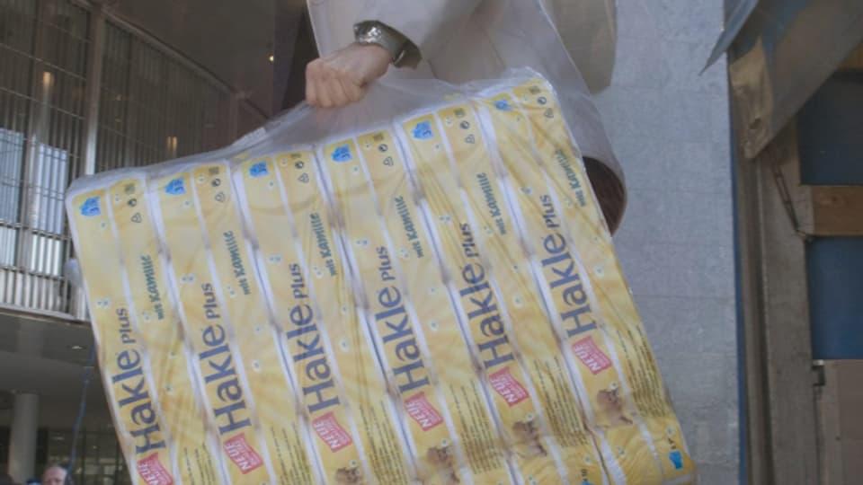 Die Produktion von Hakle-WC-Papier werde aus Niederbipp nach Romagnano in Norditalien verlagert, erklärte Kimberly-Clark.
